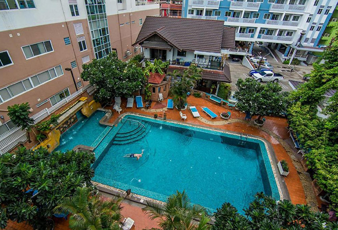 Sutus Court Hotel
