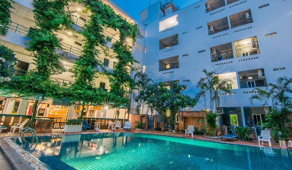sutus-court-hotel