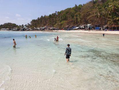 bãi biển trên đảo nam du