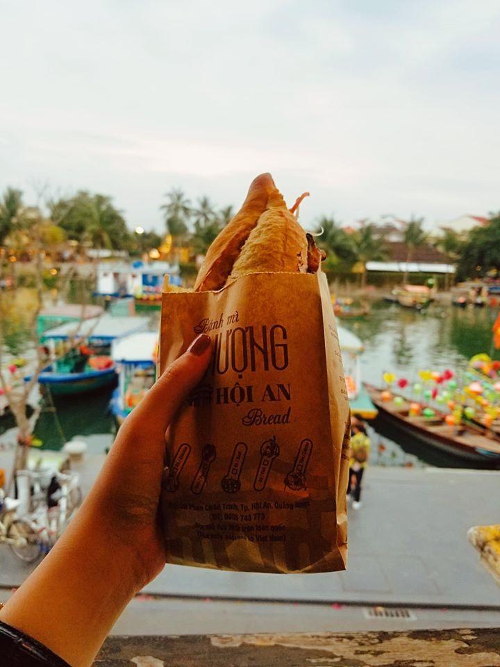 ăn gì ngon khi du lịch hội an? bánh mì phượng