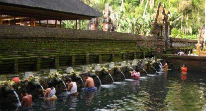 kinh nghiệm du lịch bali tự túc: nên đi đâu? đền tirta empul
