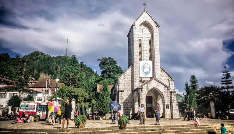 du lịch sapa tự túc nên đi đâu chơi? nhà thờ đá