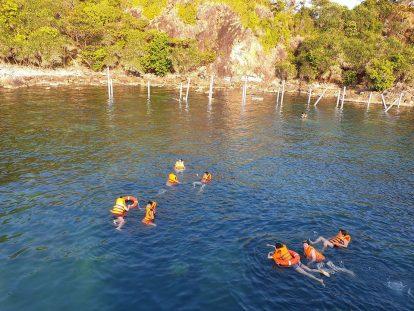 tắm biển lặn ngắm san hô trên đảo nam du