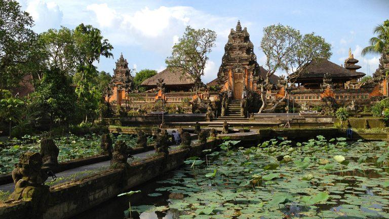 kinh nghiệm du lịch bali tự túc: nên đi đâu? cung điện ublud