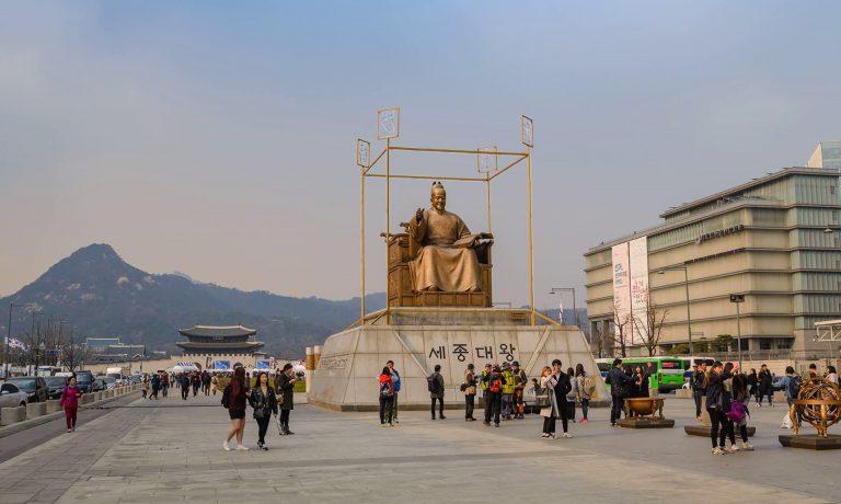 tuong-vua-sejong-tai-quang-truong-gwanghwamun