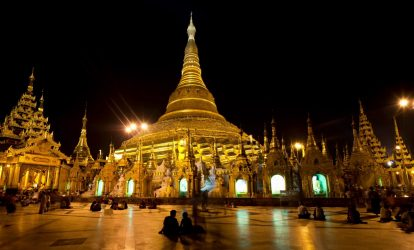 chua-shwedagon-vao-buoi-toi