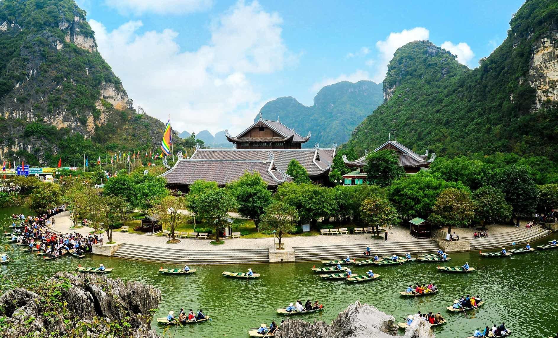Tràng An - địa điểm du lịch Ninh Bình nổi tiếng