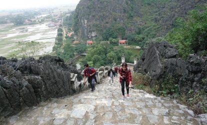 đường lên đỉnh hang múa ninh bình