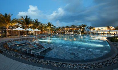 ho-boi-sieu-dep-cua-resort-sol-beach-house