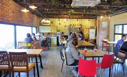 khong-gian-ben-trong-quan-bomnal-cafe