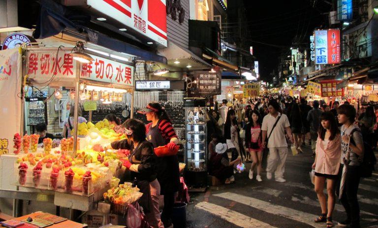 kinh nghiệm du lịch đảo jeju: ăn gì, chơi gì, ở đâu? phố đi bộ tapdong