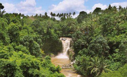 tegenungan-waterfall-nhin-tu-xa