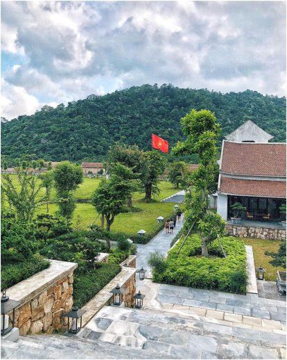 khuon-vien-san-vuon-resort-legacy-yen-tu