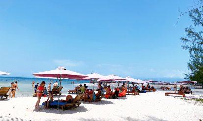 bãi biển làng chài rạch vẹm