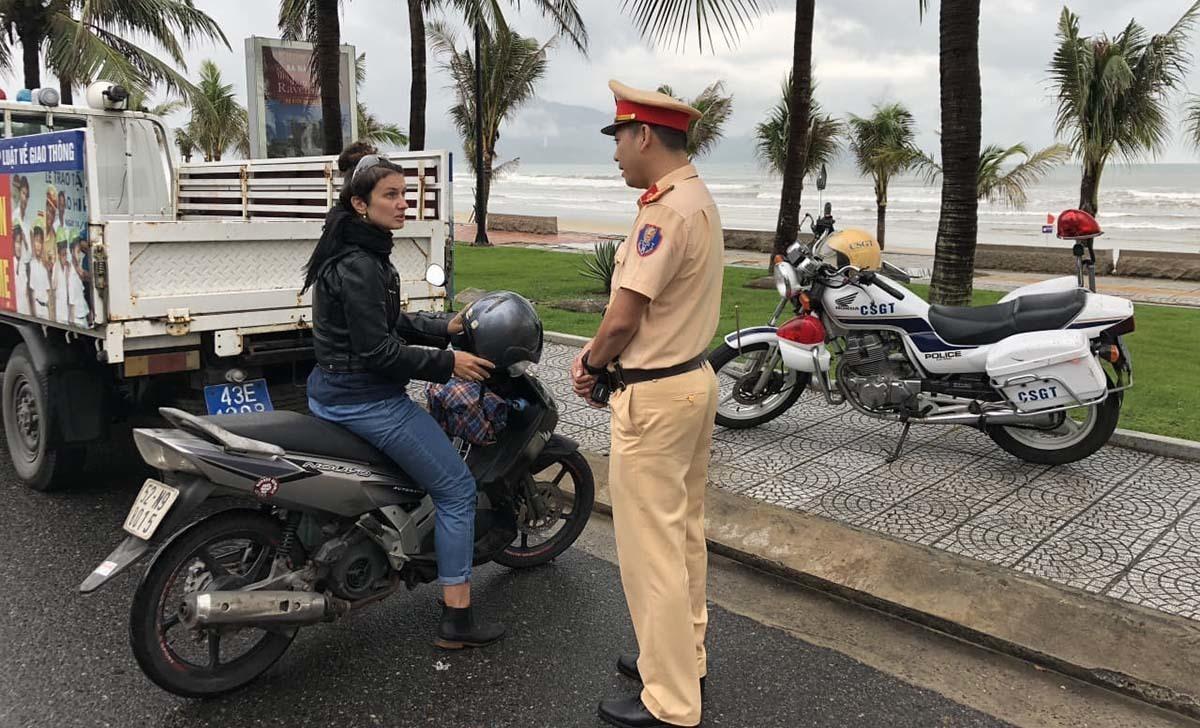 cảnh sát giao thông đà nẵng thân thiện