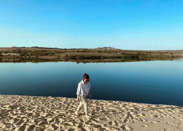 hồ nước siêu đẹp tại bàu trắng