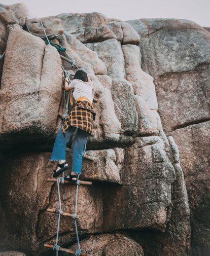 leo vách đá chinh phục cực đông